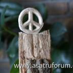 Eiche trifft Friedenszeichen